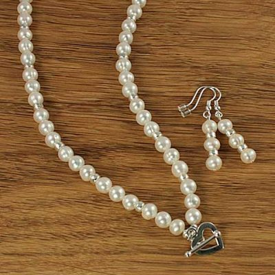 Pearl-Heart-necklace