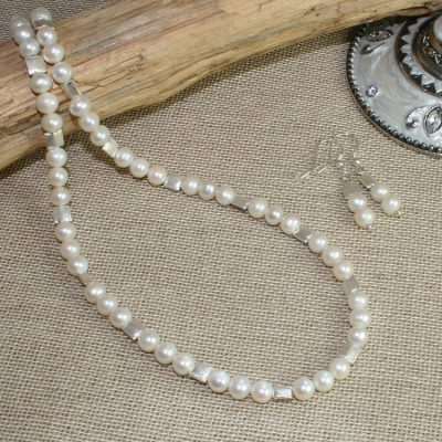 Pearl-and-Scratch-bead-set