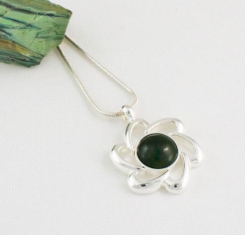 Jade-Flower-Pendant