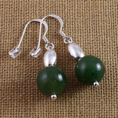 Jade-and-bead