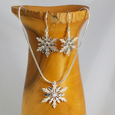 Snowflake-Necklace and Earrings